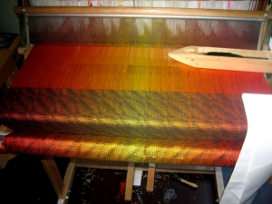 The shawl on the loom