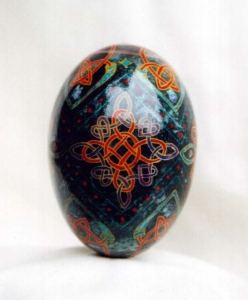 Painted Egg Celtic 3