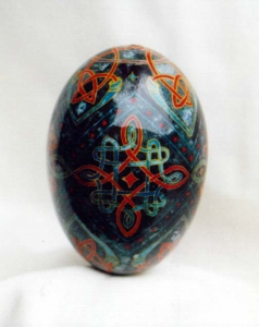 Painted Egg Celtic 4
