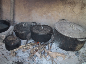 Hanoi Wood Fire For Boiling Chicken
