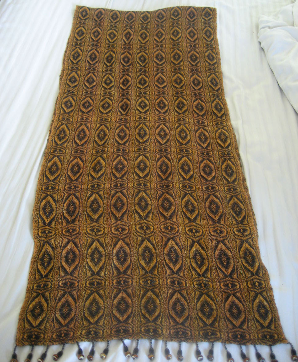 The entire tiger-eye shawl.