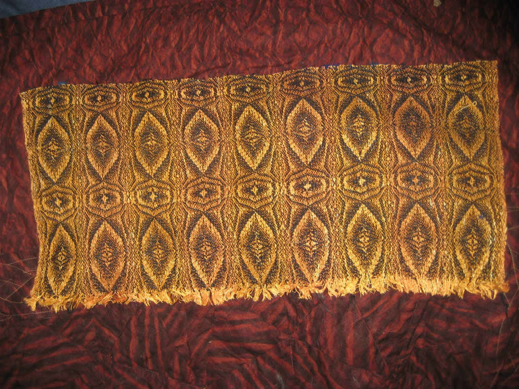 The sample I wove for the tiger eye shawl.